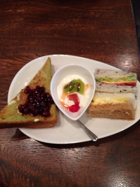 名古屋 栄 朝食 モーニング 加藤珈琲店