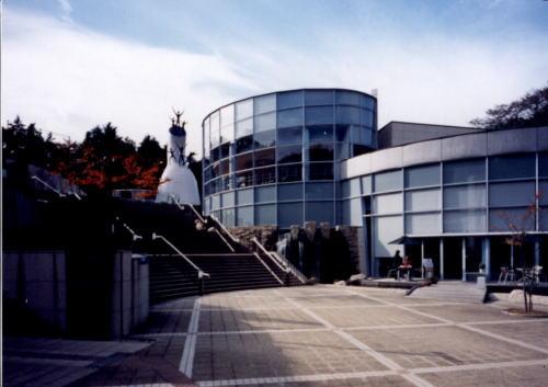 神奈川県でオススメの美術館 川崎市岡本太郎美術館