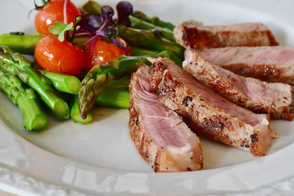 おつまみレシピでお酒を満喫する お肉を使ったレシピ 6選