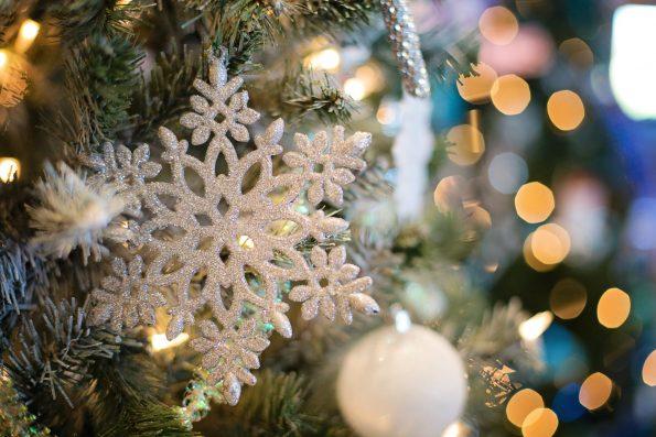 無印良品で準備する2018年のクリスマス おすすめツリーやフラワーアレンジメント